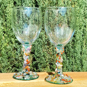 Set of 2 Wine Glasses with Natural Mixed Stones