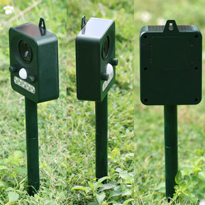 SOLAR ULTRASONIC OUTDOOR PEST REPELLANT