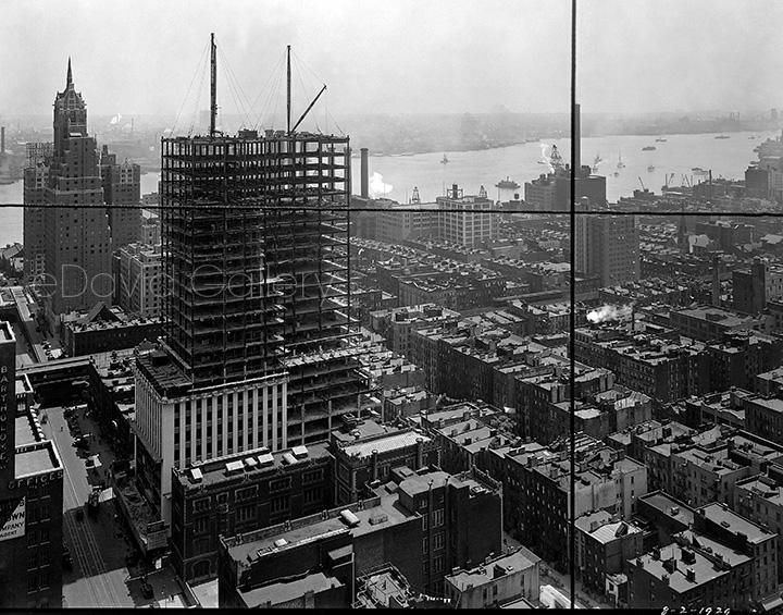 Construction of Hood & Howells' Daily News Building