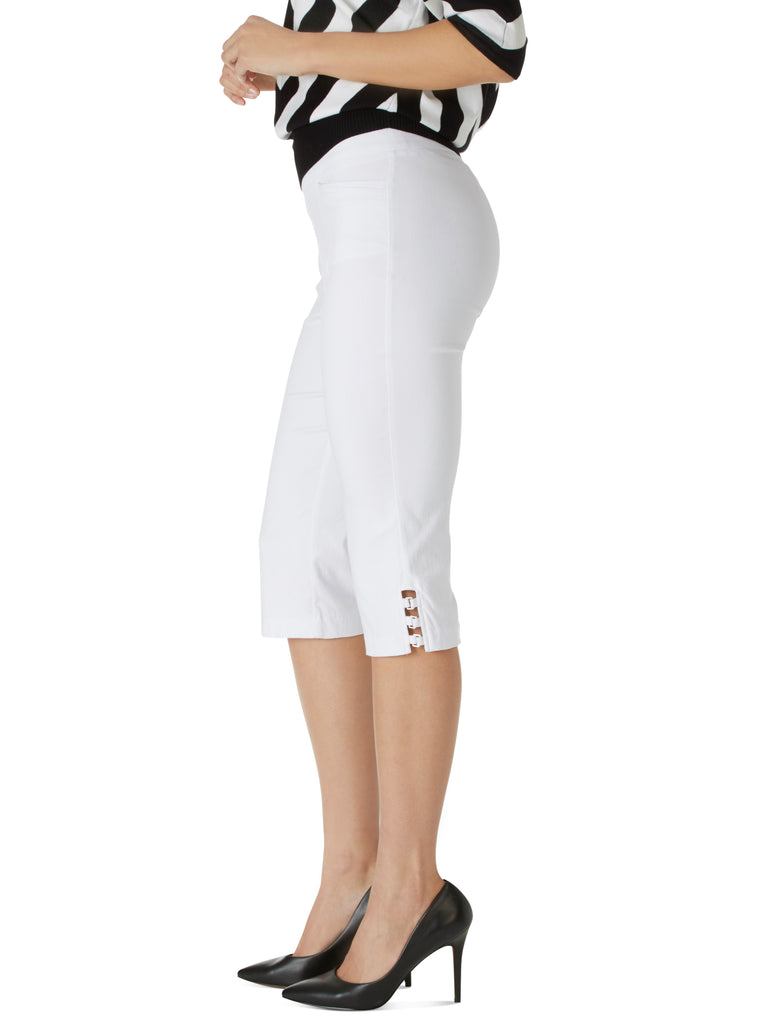 Buckle Trim Comfort Waist Capri Pants