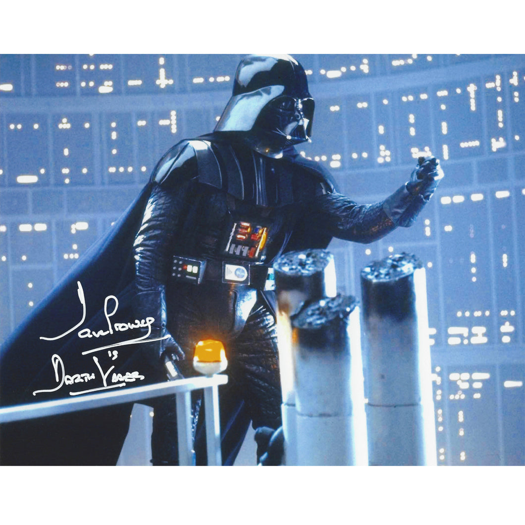 Darth Vader 10x8 Photograph signed by Dave Prowse