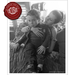Carrie Fisher & Warwick Davis b/w 10x8 Photograph signed by Warwick Davis