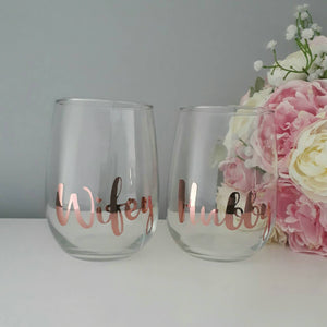 Wifey Hubby wine glass, Wedding glass, Wedding Toasting glass, Mr & Mrs, Stemless glass, anniversary gift, gift for couples, stemless wine