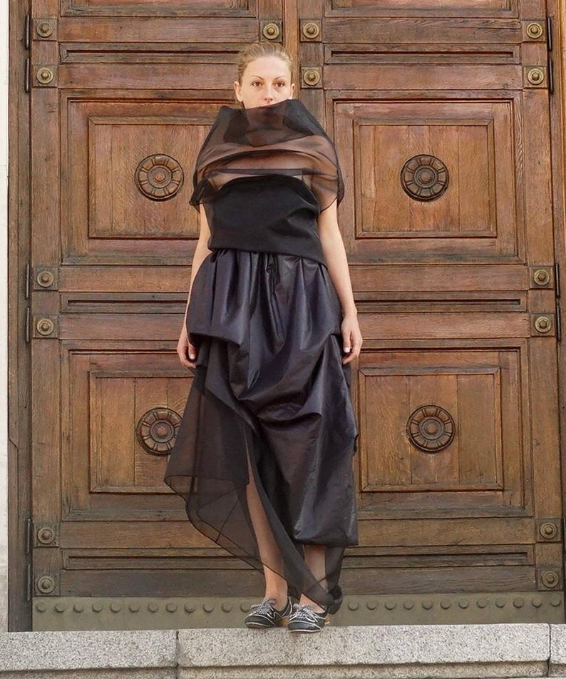 Extravagant Asymmetric Drapped Skirt