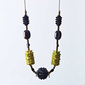 Polly seed necklace, colour green