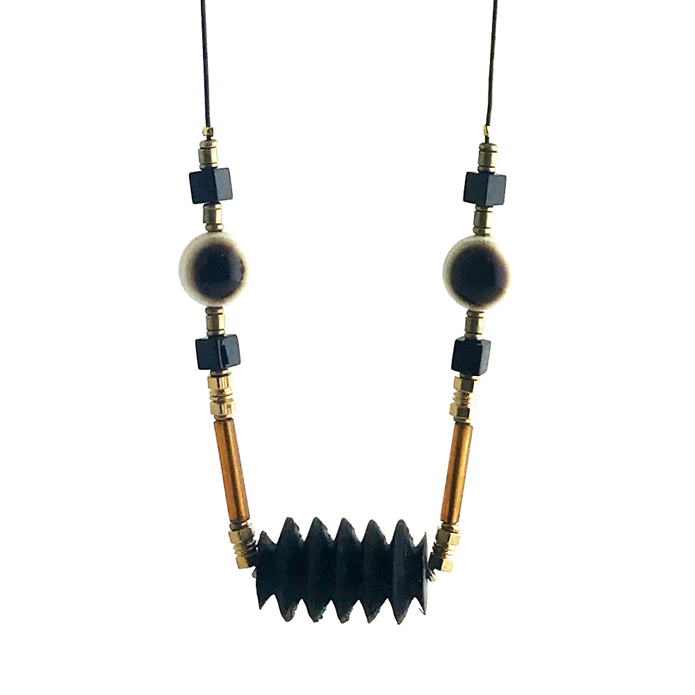 Zig-zag face necklace