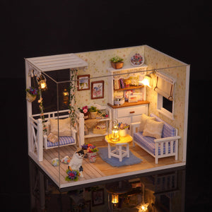 DIY Dollhouse - Kitten Diary - Toys & Games - Toys - Dolls, Playsets & Toy Figures - Dollhouses - PlayAge