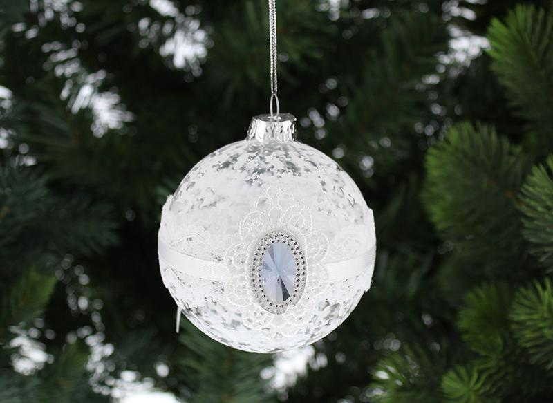 Stunning-Glass-Lace-and-Gem-Bauble