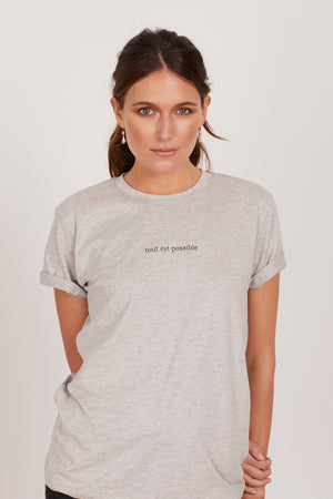 TOUT EST POSSIBLE ROLLED SLEEVE TEE