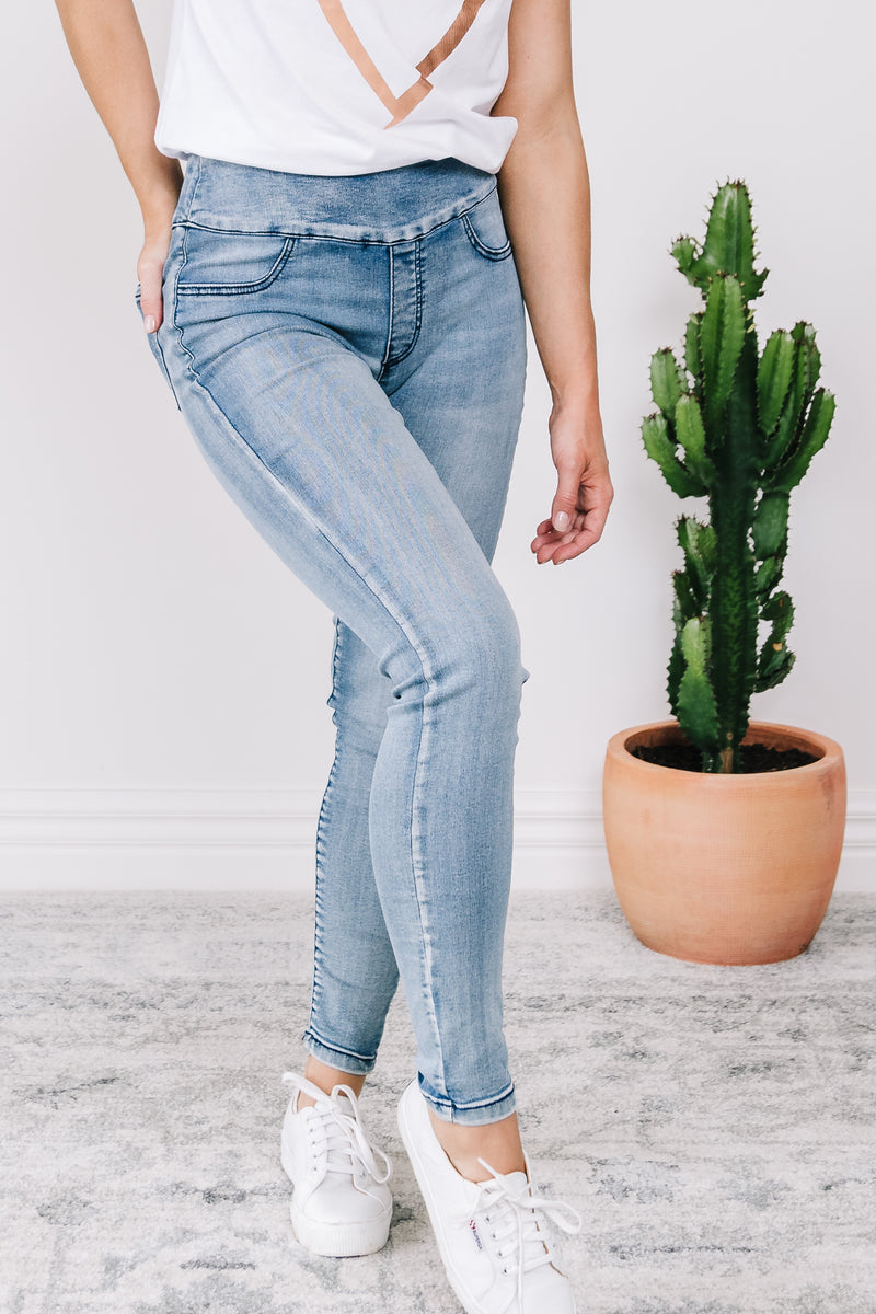 Molly Pull Up Jeans - Blue
