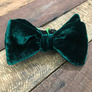 velvet bow tie, emerald green