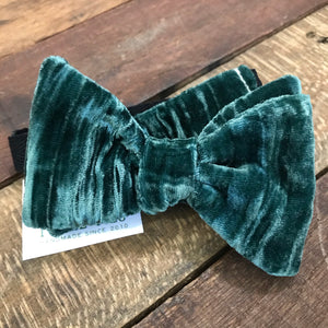Winter Green Crushed Velvet Bow Tie