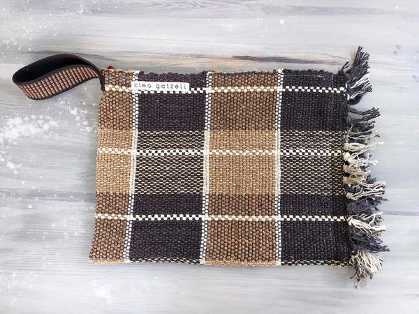 Rug clutch bag in brown color and vichy design