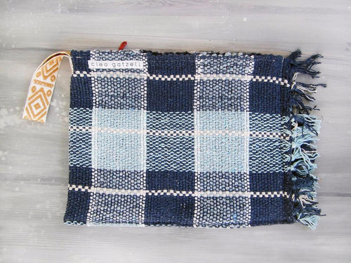 Rug clutch bag in blue color and vichy design