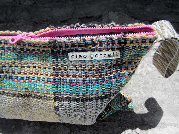 Rug clutch bag in vanilla color and tartan design