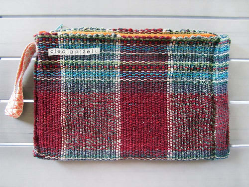 Rug clutch bag in wine color and tartan design