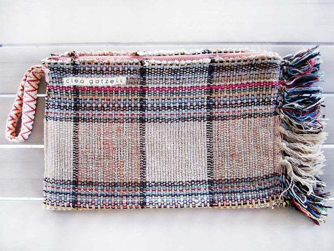 Rug clutch bag in ecru color and tartan design