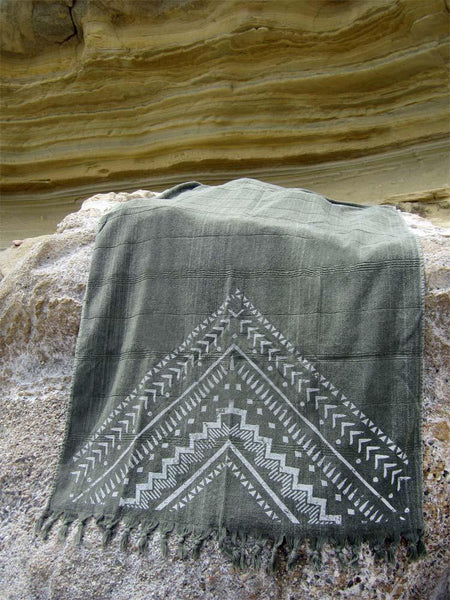 Peshtowel/towel in army stonewashed color with a grunge plain print in white colour