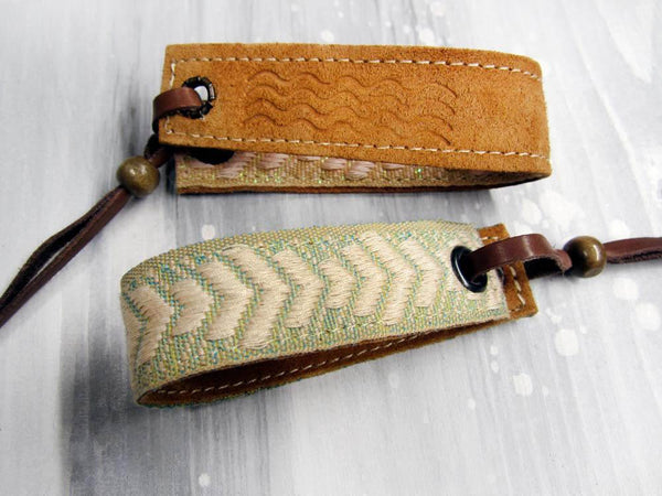 Leather bracelet with a mint woven ribbon and fishbone pattern