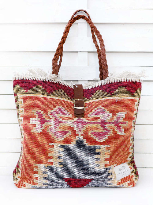 CARAVAN - queen shoulder bag
