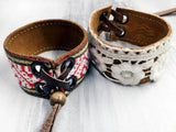 Leather bracelet with a cotton lace ribbon