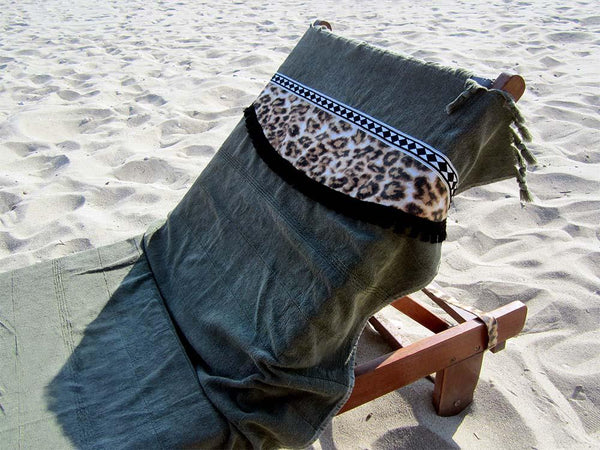 Peshtowel/towel in army stonewashed color with a fabric belt