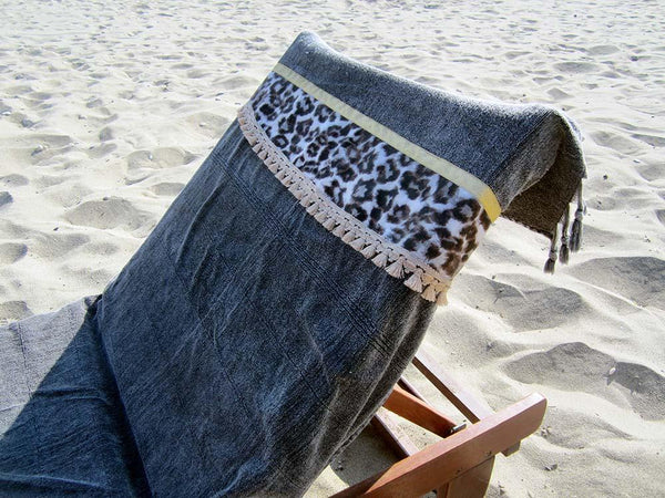 Peshtowel/towel in iron stonewashed color with a fabric belt