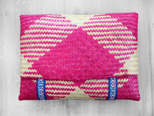COCONUT - DIAMOND straw clutch