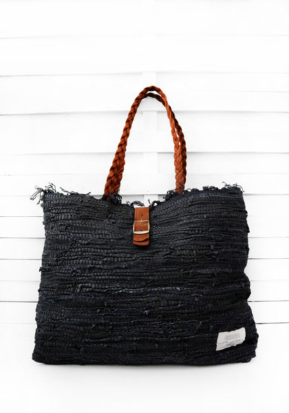 KOURELOOM - monochrome shoulder bag