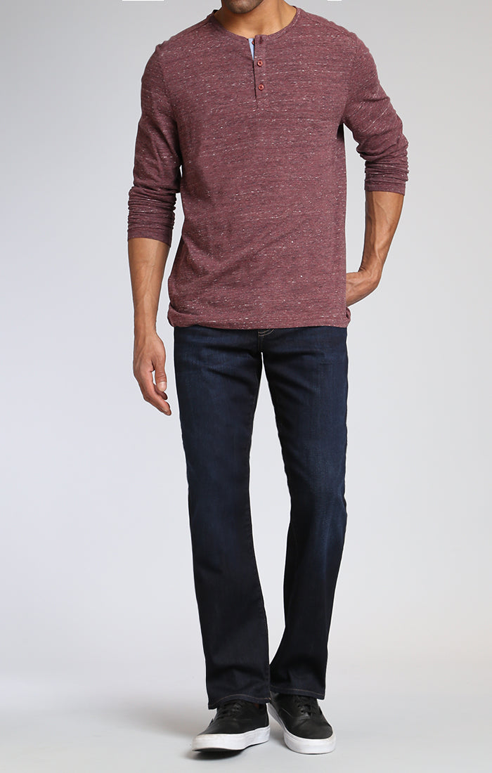 MATT RELAXED STRAIGHT LEG IN RINSE BRUSHED WILLIAMSBURG