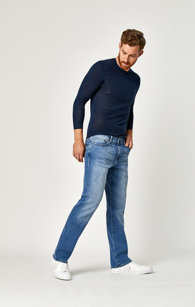 MATT RELAXED STRAIGHT LEG JEANS IN LIGHT BLUE WILLIAMSBURG - Mavi Jeans