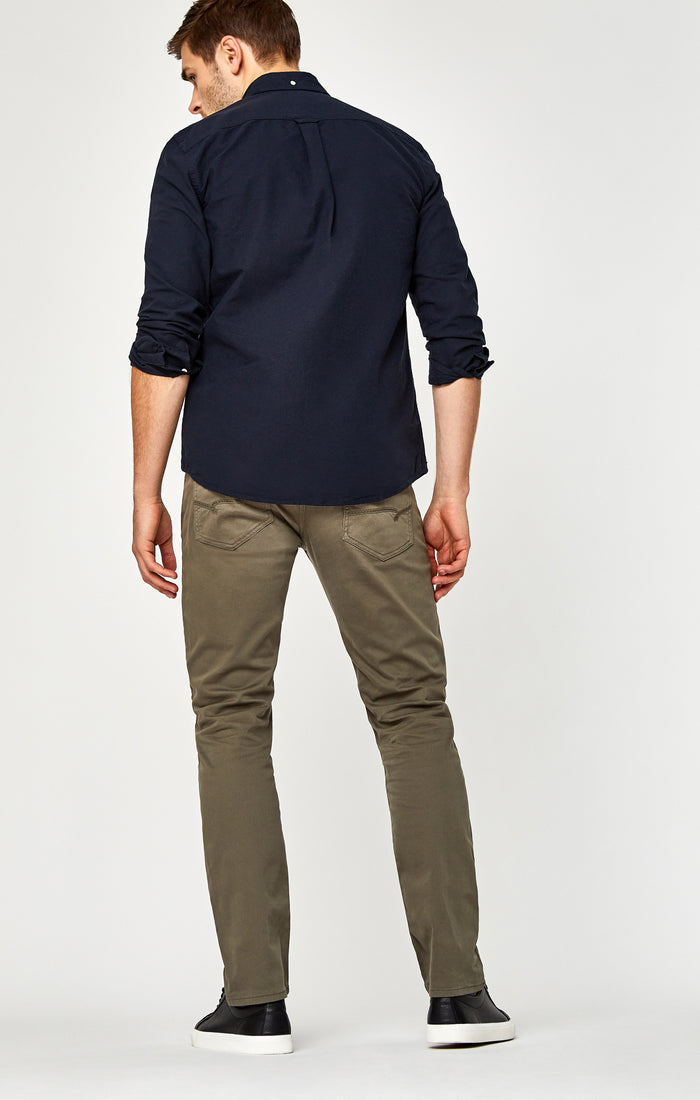 MARCUS SLIM STRAIGHT LEG PANTS IN DUSTY OLIVE BELTOWN - Mavi Jeans