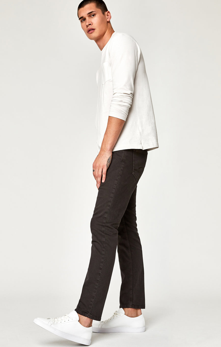 MARCUS SLIM STRAIGHT LEG JEANS IN DARK BROWN WASHED COMFORT - Mavi Jeans