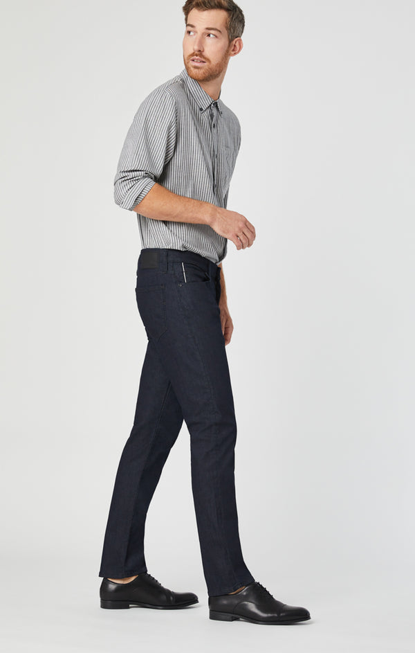 MARCUS SLIM STRAIGHT LEG JEANS IN DARK RINSE WHITE EDGE - Mavi Jeans