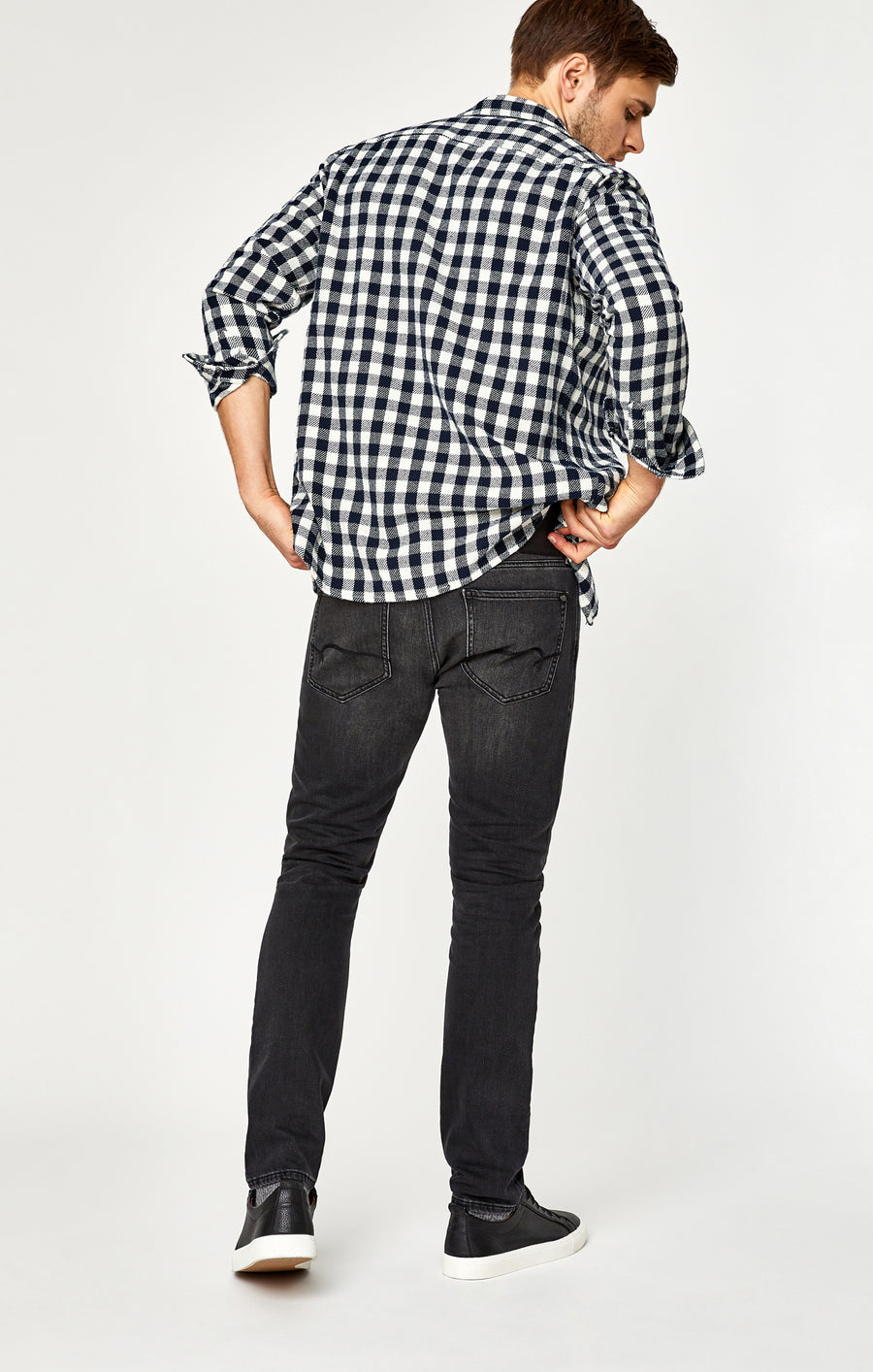 JAKE SLIM LEG JEANS IN SMOKE WILLIAMSBURG - Mavi Jeans