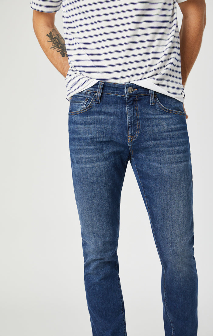 JAKE SLIM LEG JEANS IN DARK BRUSHED WILLIAMSBURG - Mavi Jeans