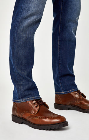 MARCUS SLIM STRAIGHT LEG JEANS IN DARK BRUSHED WILLIAMSBURG - Mavi Jeans