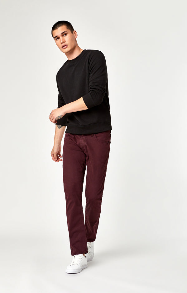 MARCUS SLIM STRAIGHT LEG PANTS IN BURGUNDY TWILL - Mavi Jeans