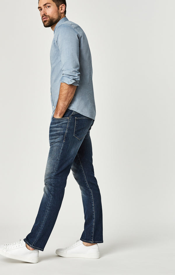 ZACH STRAIGHT LEG JEANS IN BRUSHED AUTHENTIC VINTAGE - Mavi Jeans