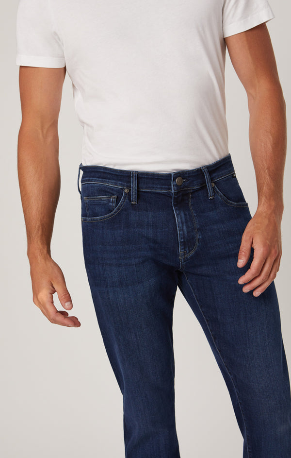 ZACH STRAIGHT LEG JEANS IN DARK BLUE SUPERMOVE - Mavi Jeans
