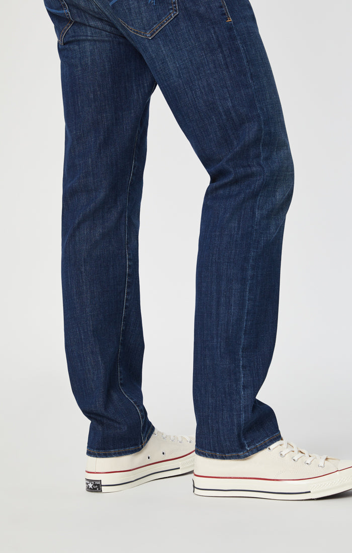 ZACH STRAIGHT LEG JEANS IN DARK PORTLAND - Mavi Jeans