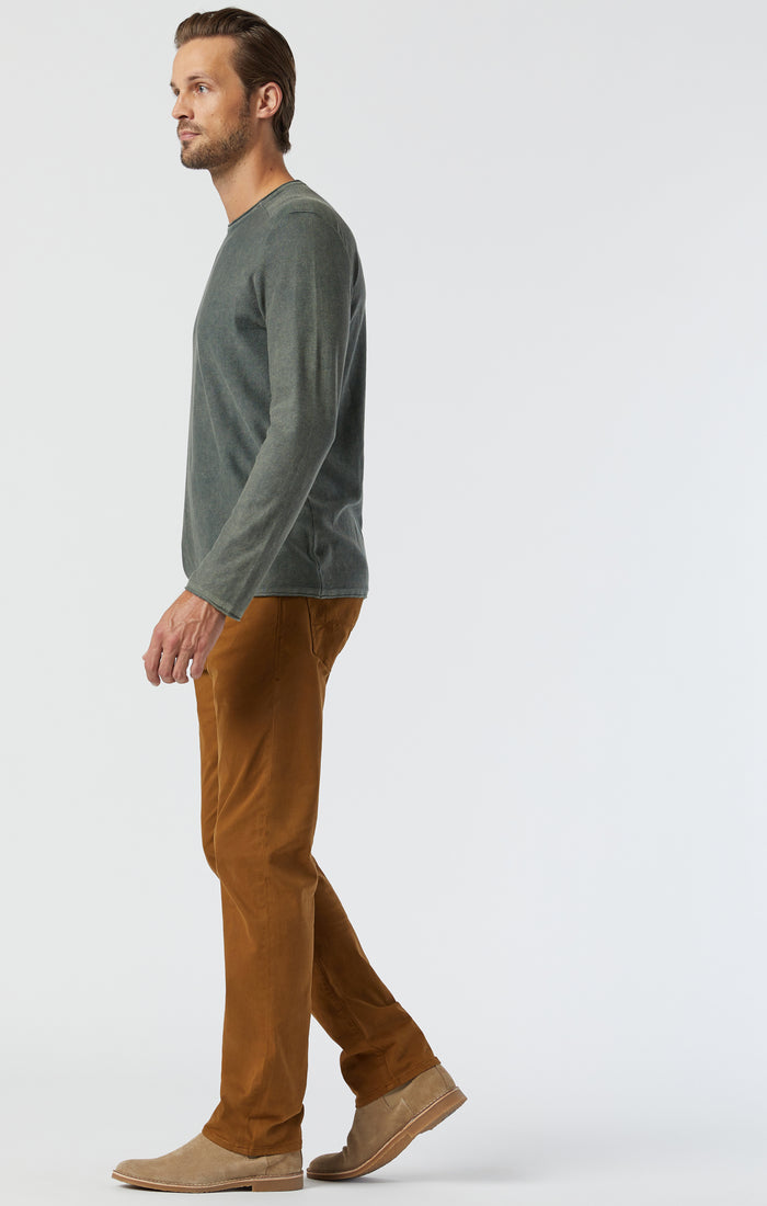 ZACH STRAIGHT LEG PANTS IN MUSTARD SATEEN - Mavi Jeans