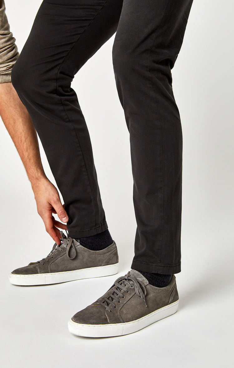 JOHNNY SLIM CHINO IN COAL TWILL - Pants - Mavi Jeans