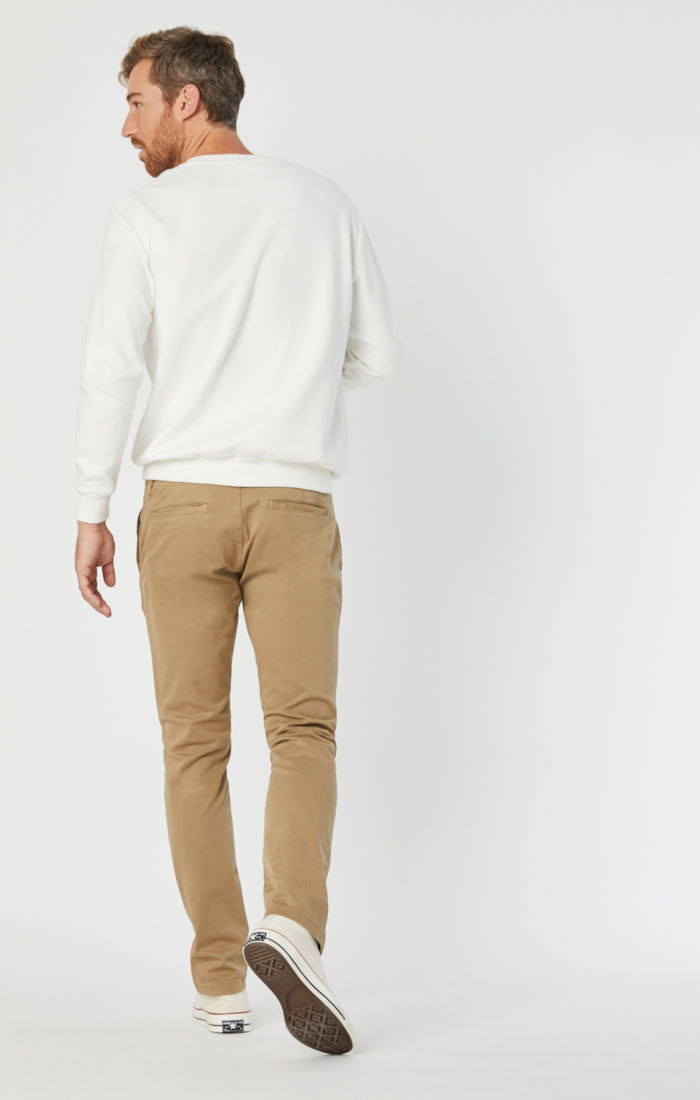 JOHNNY SLIM LEG CHINO PANTS IN BRITISH KHAKI TWILL - Mavi Jeans