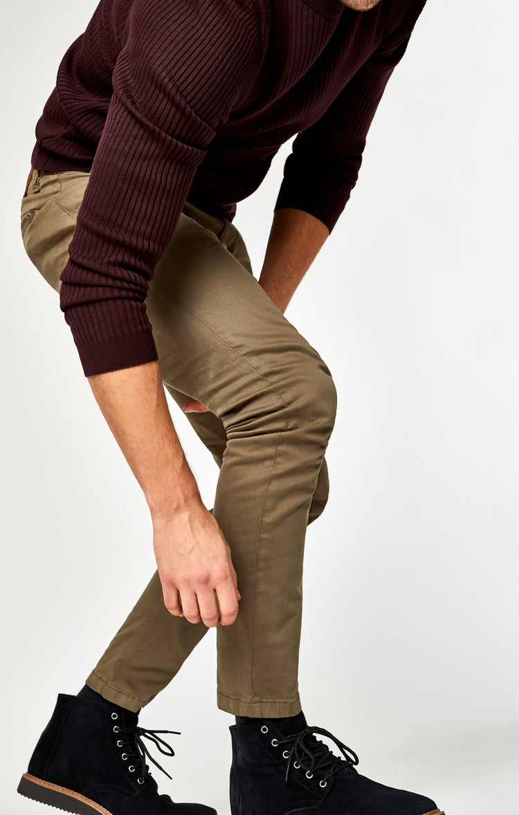 JOHNNY SLIM CHINO IN SAGE TWILL - Pants - Mavi Jeans