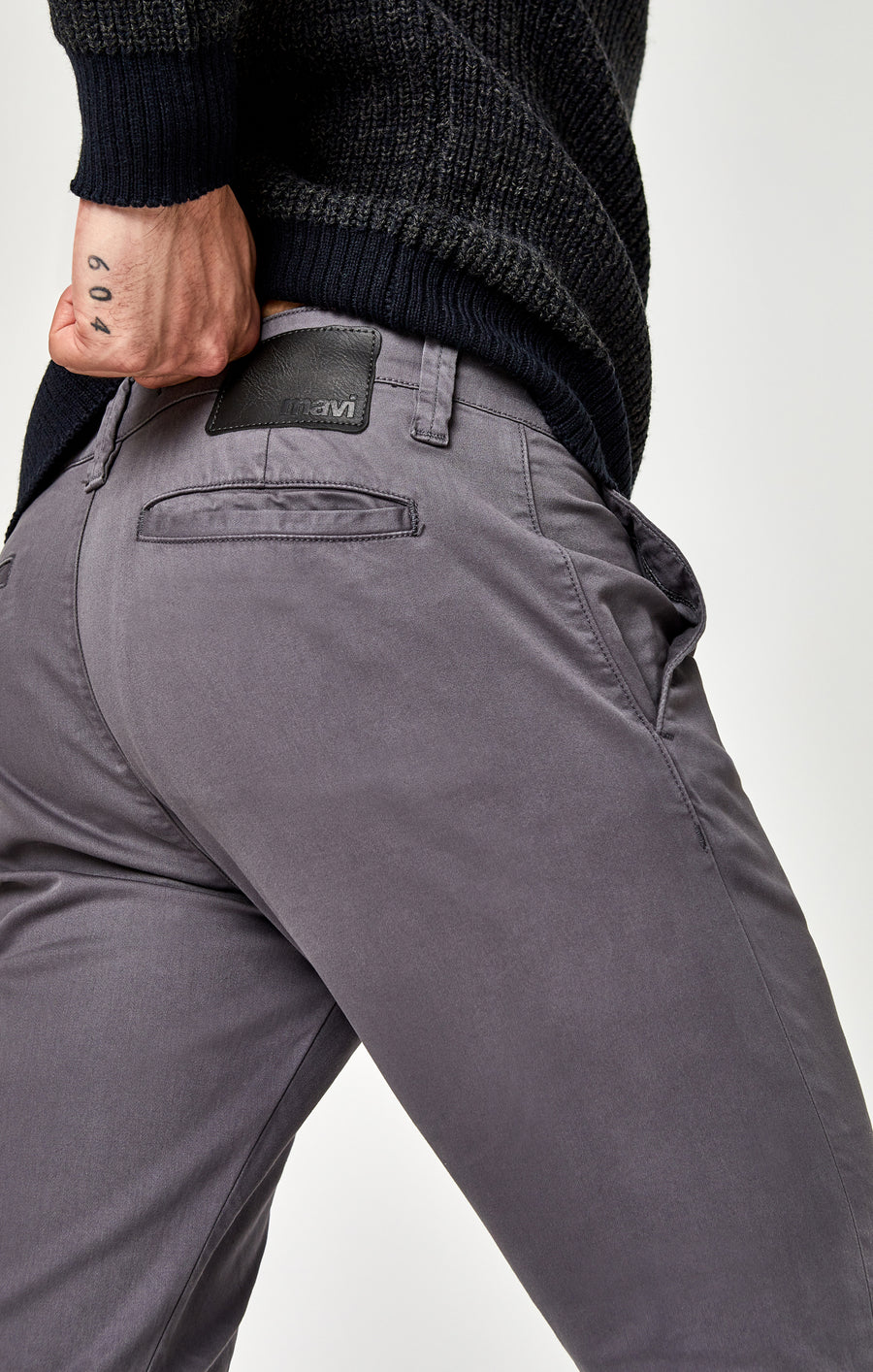 JOHNNY SLIM LEG CHINO IN STONE GREY TWILL - Mavi Jeans