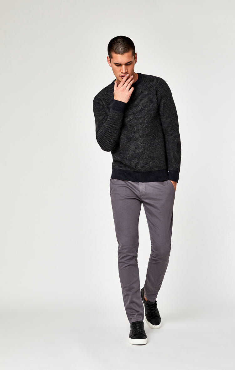 JOHNNY SLIM CHINO IN STONE GREY TWILL - Pants - Mavi Jeans