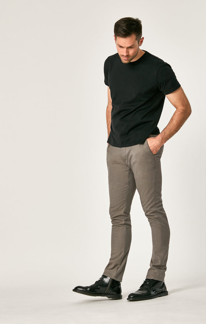 JOHNNY SLIM CHINO PANTS IN SAND FEATHER TWEED - Mavi Jeans