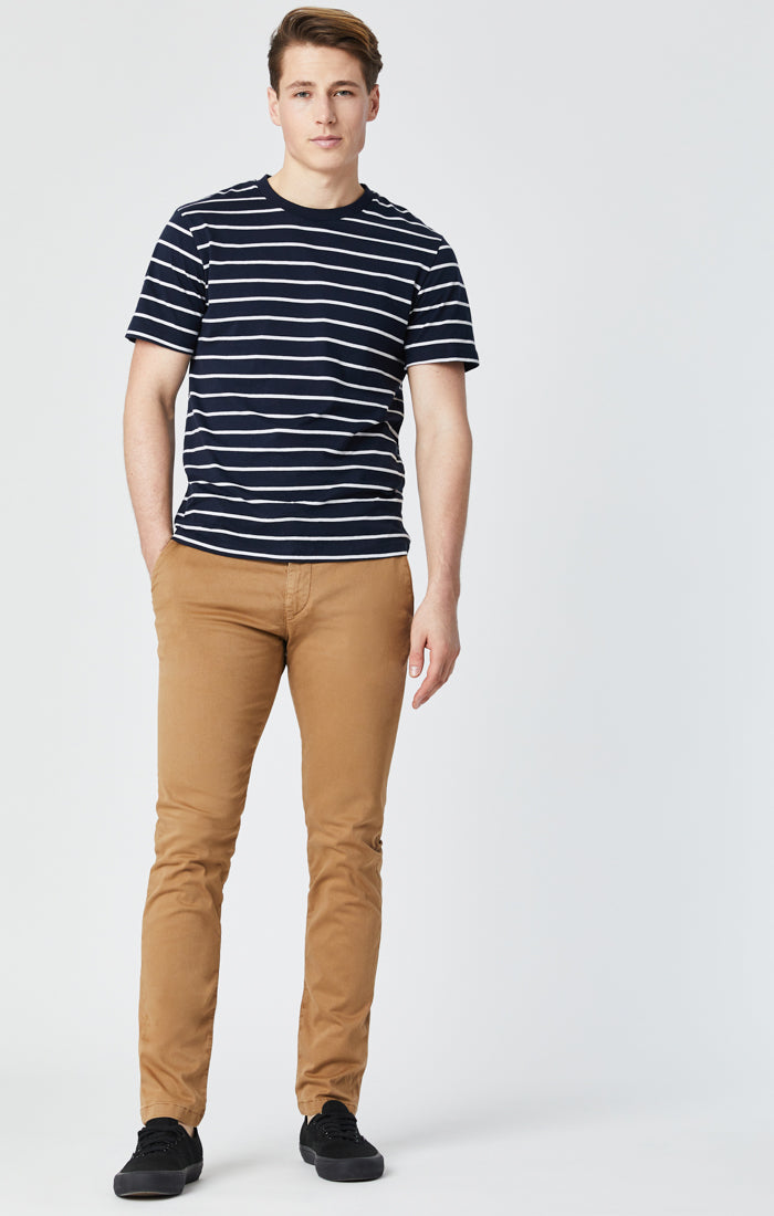JOHNNY SLIM CHINO PANTS IN BROWN SATEEN - Mavi Jeans