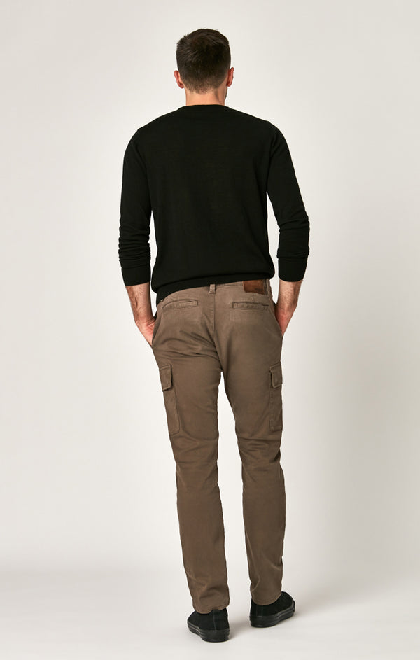 KEVIN SLIM CARGO PANTS IN MOREL SATEEN TWILL - Mavi Jeans